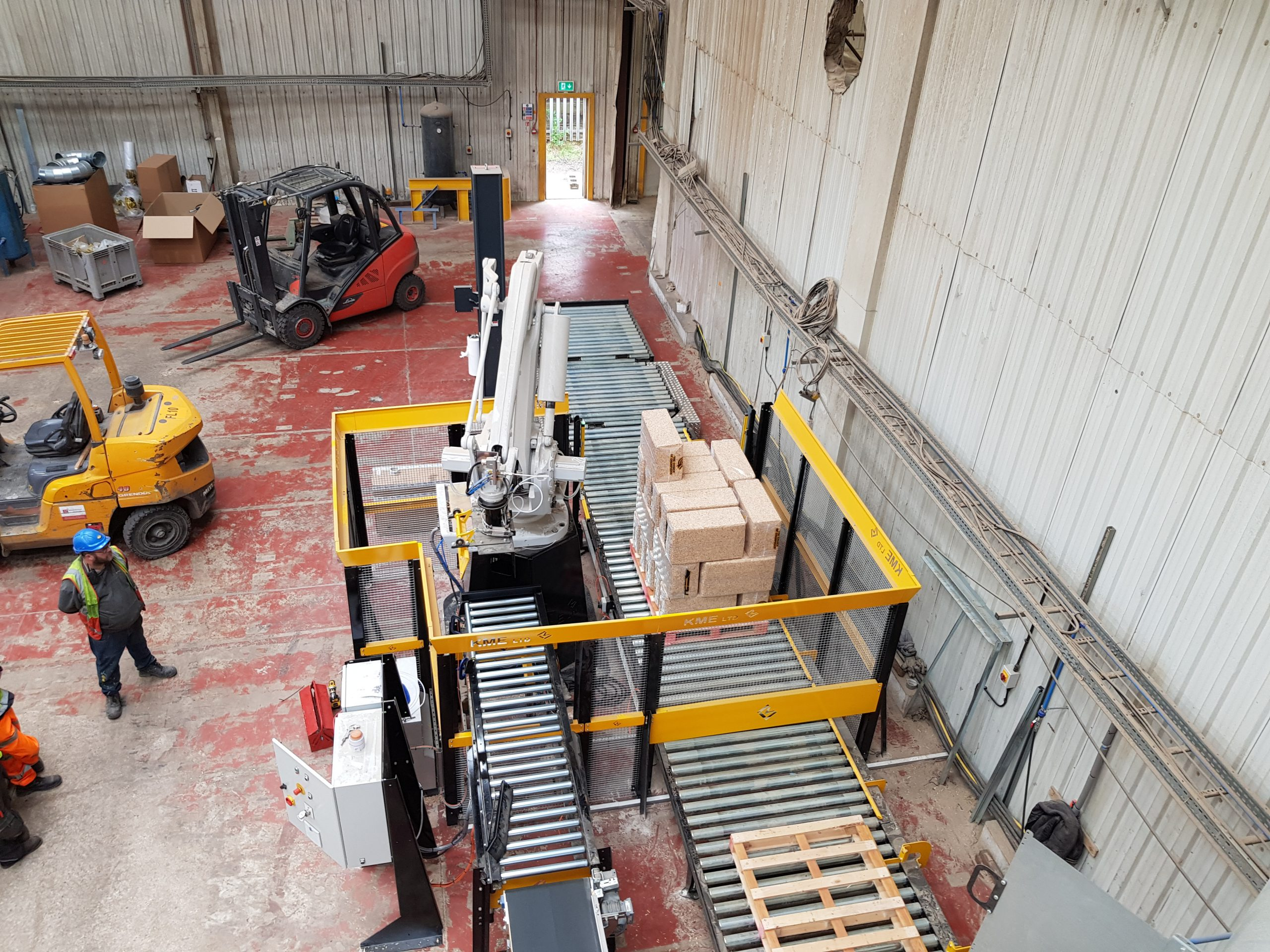 wood shavings robot stacking